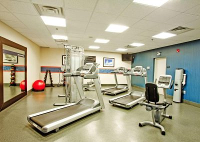 fitness-room-e
